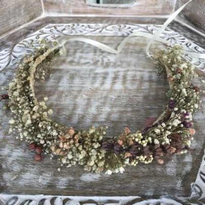 Corona flores silvestres preservadas
